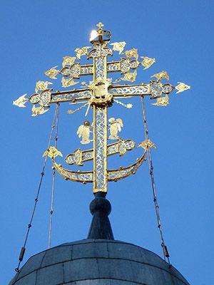 Крест с ангелами и херувимами 300.jpg
